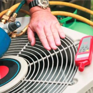 Mandatory refrigerant leak testing in refrigeration equipment